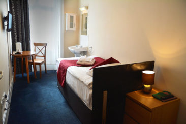 hotel near Earls Court single room