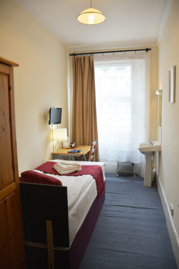 London hotel rooms near Earls Court