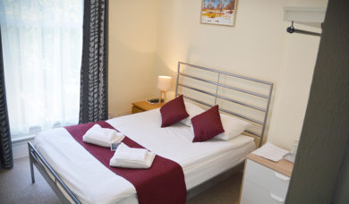 Double Twin Room En Suite London Booking